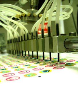 изготовление объемных наклеек на заказ